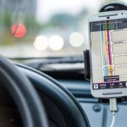 7 Fakten zum Smartphone- und Navi-Verbot im Auto: Was ist noch erlaubt?