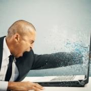 Fast alle Windows 10-Versionen betroffen: Microsoft veröffentlicht wichtigen Notfall-Patch  http://flip.it…